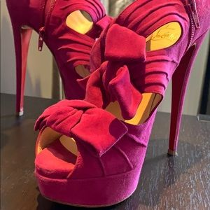 CHRISTIAN LOUBOUTIN Madame Butterfly 150 suede 39